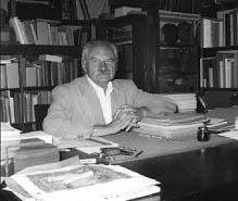 Володимир Міяковський у своїй робітні. Фото 1960-х рр.