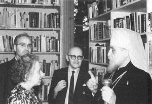Візит Блаженнішого кардинала Й.Сліпого до осередку НТШ в Сарселі. 1981 р.